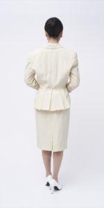 白燕尾スーツ
